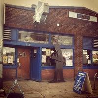 Photo taken at Blue Moon Tavern by Genie on 11/26/2011