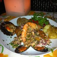 Foto tirada no(a) Refugio Restaurante por Isabela A. em 1/12/2012