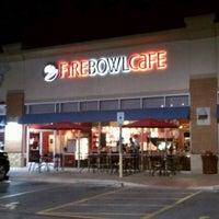Foto scattata a Fire Bowl Cafe da Robert E. il 11/26/2011