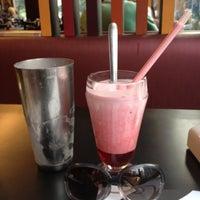Photo taken at Milk & Mellow Burgers by Karina A. on 7/7/2012