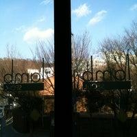 Das Foto wurde bei Lamb von Jennifer C. am 3/11/2012 aufgenommen