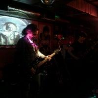 Foto tomada en Rock&Roll Radio Club por Camilo C. el 12/15/2011