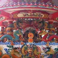Photo taken at วัดถาวรวราราม (วัดญวน) Wat Thavornwararam by Thanit P. on 1/3/2011