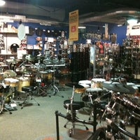Photo taken at Guitar Center - Closed by Anita G. on 9/17/2011