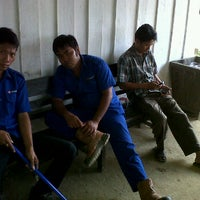 Photo taken at Mie Ayam Terminal Sp4 by Agung A. on 10/12/2011