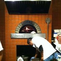 Foto tomada en Cugini Restaurant por Ira S. el 11/12/2011