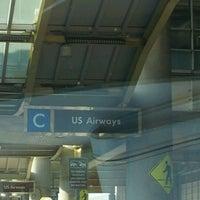 รูปภาพถ่ายที่ Terminal C โดย Damon E. เมื่อ 5/22/2012