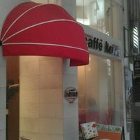 Photo taken at Caffè Kenon by Frank C. on 8/27/2011