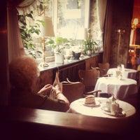Das Foto wurde bei Café Wahlen von Ronny M. am 8/4/2012 aufgenommen