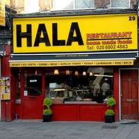 Foto diambil di Hala Restaurant oleh Harringay Online pada 9/16/2011