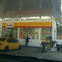 Photo taken at Shell by Hazli D. on 1/23/2012
