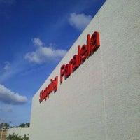Photo taken at Shopping Paralela by Alex N. on 1/28/2012