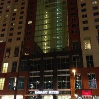Foto tomada en Embassy Suites by Hilton Denver Downtown Convention Center por Michael M. el 7/10/2012