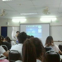 Photo taken at คณะวิทยาศาสตร์และเทคโนโลยี มหาวิทยาลัยเทคโนโลยีราชมงคลธัญบุรี by ????? ?. on 1/16/2012