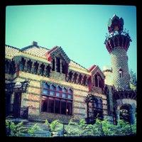Foto tomada en El Capricho de Gaudí por Damian D. el 7/17/2012