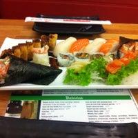 Foto tirada no(a) Flying Sushi por Fagner T. em 12/26/2011