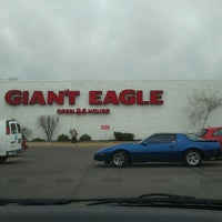 Photo taken at Giant Eagle Supermarket by Brook M. on 3/30/2011