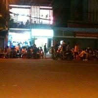 Photo taken at Thành Bưởi (đi Cần Thơ) by Hong N. on 5/12/2012
