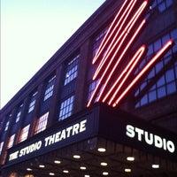8/2/2012 tarihinde Heather C.ziyaretçi tarafından The Studio Theatre'de çekilen fotoğraf