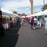 Foto tirada no(a) Fresh52 Farmers Market por Emma P. em 9/9/2012