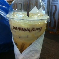 Photo taken at Doi Chaang Coffee by Nareuthep M. on 7/29/2012