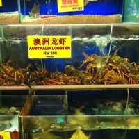 Photo taken at Pantai Seafood 水上人家 by Song yang L. on 6/10/2012