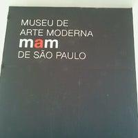 Foto tirada no(a) Museu de Arte Moderna de São Paulo (MAM-SP) por Johanna D. em 7/26/2012