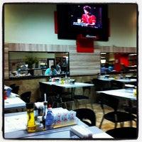 Foto tirada no(a) Café Caliente por Thais M. em 4/28/2012