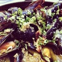 รูปภาพถ่ายที่ Flex Mussels โดย Stephanie H. เมื่อ 8/10/2012
