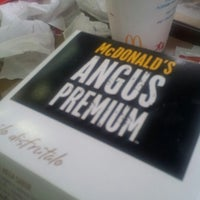 Photo taken at McDonald's by Juan Marcelo L. on 8/18/2012