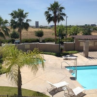 Photo taken at Hampton Inn & Suites Sacramento North Natomas by Mark G. on 5/31/2012