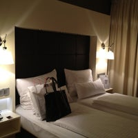 Das Foto wurde bei Hotel Santo von Jini J. am 8/15/2012 aufgenommen