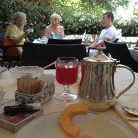 Foto scattata a Hotel Ambasciatori Palace da Vladimir S. il 7/18/2012