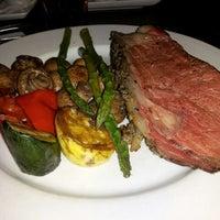 Foto tirada no(a) The Keg Steakhouse & Bar por Ivan L. em 3/17/2012