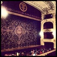 Das Foto wurde bei Teatro Municipal de Santiago von Sebastián M. am 6/19/2012 aufgenommen