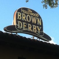 Photo taken at The Hollywood Brown Derby by Eric L. on 4/30/2012