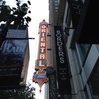 Das Foto wurde bei Oriental Theatre von Carmen d. am 6/27/2012 aufgenommen