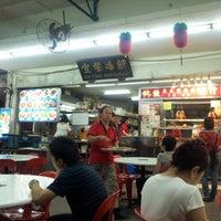 Photo taken at Sin Fong Restaurant 新峰餐室 by Skywalker on 8/22/2012