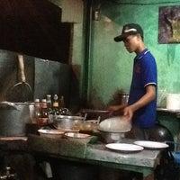 Photo taken at Pondok Rizky 99 Seafood by Christine on 3/22/2012