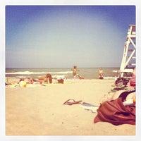 Foto diambil di Foster Beach oleh Kim L. pada 7/8/2012
