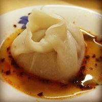 Foto tomada en Dong Bei Dumpling por Hanna J. el 8/4/2012