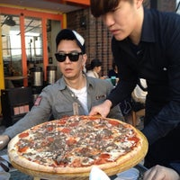 Photo taken at Crow's Nest : The Pizza Pub by Young-wook P. on 2/19/2012