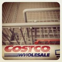 Photo taken at Costco by uǝsuoıɥɔno on 6/2/2012
