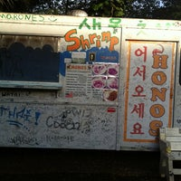 Photo taken at Hono's Shrimp Truck by Tammie P. on 8/24/2012