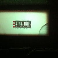 Foto tomada en Fine Arts Cinema Cafe por Nicole T. el 9/13/2012
