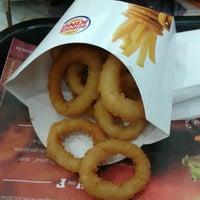 Foto tirada no(a) Burger King por Renata A. em 8/9/2012