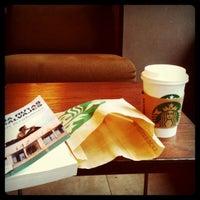 Photo taken at Starbucks by Yesi on 9/24/2011