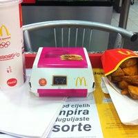 Photo taken at McDonald's by Svetislav J. on 3/30/2011