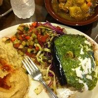 รูปภาพถ่ายที่ Aladdin's Mediterranean Cuisine โดย Camille A. เมื่อ 9/4/2011
