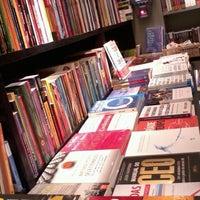 Foto tirada no(a) Livraria da Travessa por Luciene D. em 7/7/2012